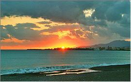 Ierapetra: Sundown behind the town